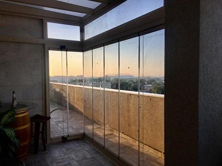 סגירת חוף וילון זכוכית בירושלים