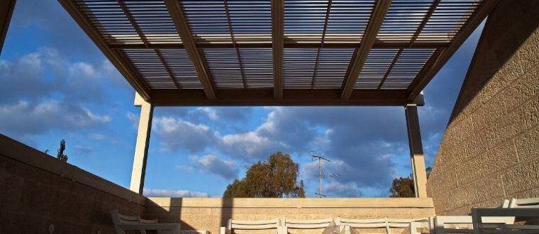 קירוי פרגולה – הפתרונות המומלצים נגד גשם ושמש